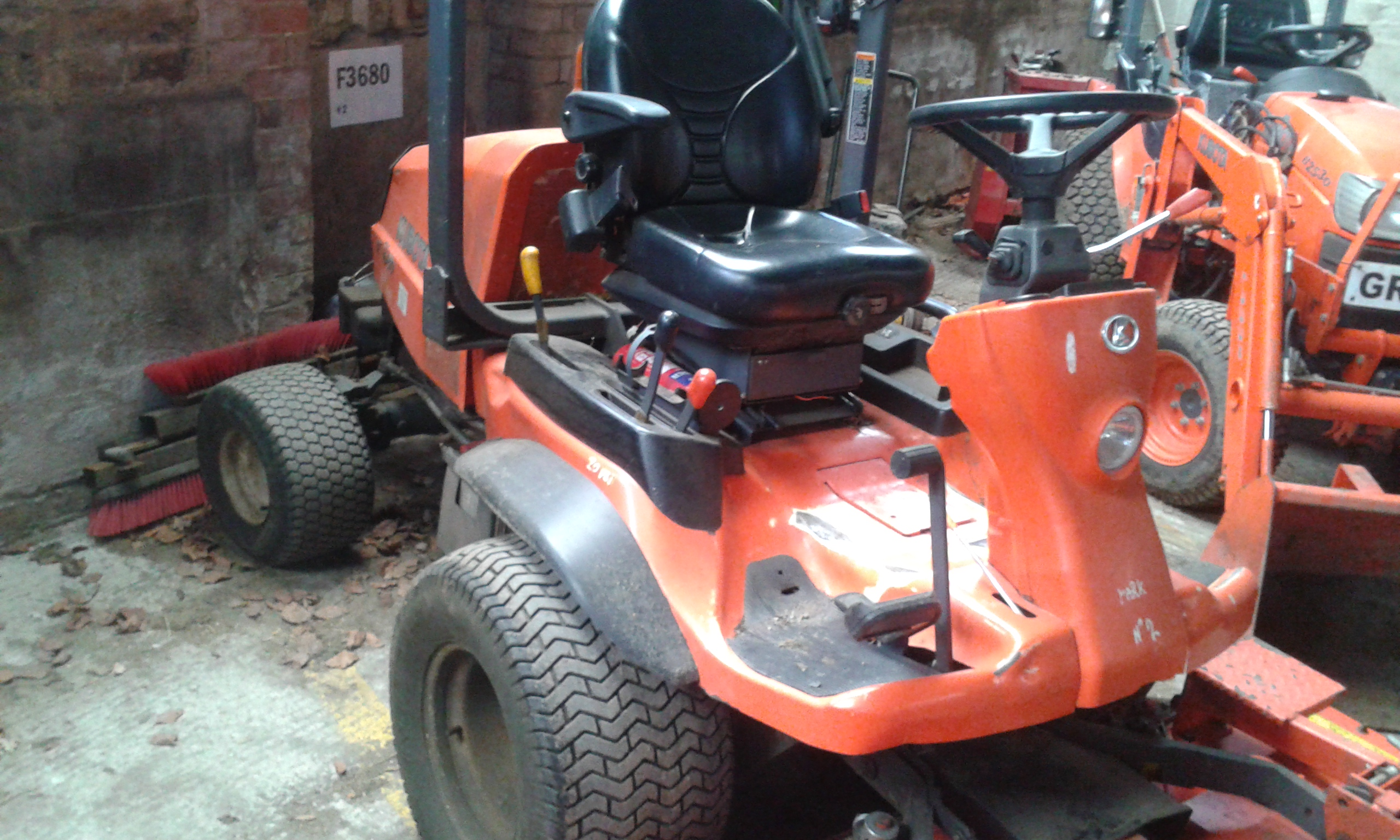 L5040 Kubota Weekly Check